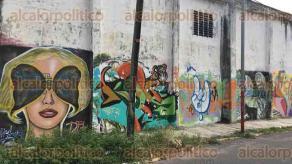 Veracruz, Ver., 23 de octubre de 2016.- Almac�n clandestino recientemente asegurado en la colonia 21 de Abril, abarca una manzana ubicada en la calle Hern�n Cort�s.