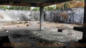 Veracruz, Ver., 23 de octubre de 2016.- Bodega clandestina que se incendi� hace tres semanas en la colonia Playa Linda.