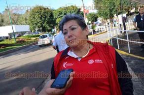 Xalapa, Ver., 24 de octubre de 2016.- Deportistas se manifiestan en la Secretar�a de Finanzas y Planeaci�n por el adeudo de becas que mantienen desde hace a�o y medio.