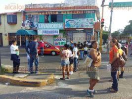 Veracruz, Ver., 26 de octubre de 2016.- Padres de familia acusan que las autoridades municipales no ponen atenci�n a las necesidades de los planteles educativos.