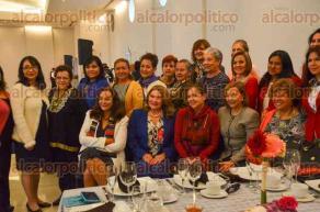 Xalapa, Ver., 27 de octubre de 2016.- El Instituto Veracruzano de la Mujer que encabeza Edda Arrez organiz� un desayuno junto con organizaciones civiles para recibir a la ex titular de la Comisi�n Nacional de los Derechos Humanos, Mireille Rocatti.