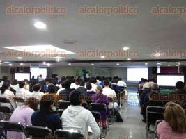 Xalapa, Ver., 27 de octubre de 2016.- Realizan la ponencia