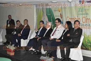 Xalapa, Ver., 27 de octubre de 2016.- Esta ma�ana inauguraron el Congreso acad�mico cient�fico del Centro de Alta Especialidad �Dr. Rafael Lucio�, en el Hotel Xalapa.