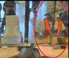 Veracruz, Ver., 27 de octubre de 2016.- Elementos de la Polic�a Estatal detuvieron tras una persecuci�n a pie a un menor de edad que con arma de juguete en mano y enmascarado tom� por asalto una sucursal bancaria en la localidad de Tejer�a. Tras su captura, las autoridades determinar�n su situaci�n legal.