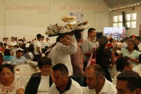 Veracruz, Ver., 2 de diciembre de 2016.- El presidente del Comité Ejecutivo Nacional del PRI, Enrique Ochoa Reza, encabezó este viernes el evento denominado