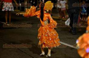 Veracruz, Ver., 4 de diciembre de 2016.- Integrantes de la comunidad LGBTI del Puerto de Veracruz, encabezados por el activista Flippy Morales de Franco, realizaron un papaqui por la calle Independencia de la ciudad, acompañados por la Reina Gay del Carnaval Veracruz 2017.