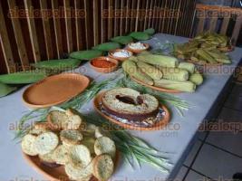 Xalapa, Ver., 5 de diciembre de 2016.- Quien asista a la Fiesta del Elote podrá disfrutar de elotes preparados gratis, tamales de elote, pan de elote, barbacoa y muchos otros platillos.