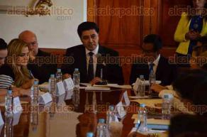 Xalapa, Ver., 7 de diciembre de 2016.- El secretario de gobierno, Rogelio Franco Castan presentó las acciones específicas para atender la violencia de género contra las mujeres en la entidad.