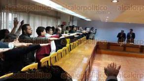 Xalapa, Ver., 9 de diciembre de 2016.- El secretario de Educación de Veracruz, Enrique Pérez, tomó protesta a subdirectores, jefes de departamento, coordinadores de programas de los diferentes niveles y modalidades educativas de los sistemas federal y estatal de la SEV.