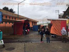 Xalapa, Ver., 9 de diciembre de 2016.- Como cada año, las calles Venustiano Carranza y Atletas permanecen cerradas para el recibimiento de peregrinos que festejan a la Virgen de Guadalupe.