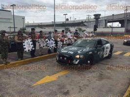 Veracruz, Ver., 9 de diciembre de 2016.- Autoridades federales, estatales y municipales, dieron el banderazo del inicio del operativo navideño de seguridad pública, en el que participan PFP, la Policía Naval, la Fuerza Civil y la Secretaría de Seguridad Pública del Gobierno del Estado.