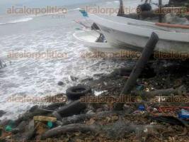 Alvarado, Ver., 15 de enero de 2017.- En días pasados, vecinos de Playa Zapote, en la zona norte del municipio, denunciaron que el mar le ha ganado espacio a las playas, por lo que urgen la construcción de escolleras.