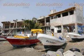 Veracruz, Ver., 18 de enero de 2017.- El Ayuntamiento de Veracruz suspendió la construcción de un centro de buceo y servicios turísticos en la playa Villa del Mar, debido a que se venció el permiso que tenían para construir; PROFEPA revisará el lugar para garantizar que cumpla con las especificaciones que autorizó la Federación para permitir la obra.