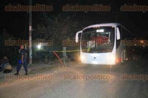 Papantla, Ver., 19 de enero de 2017.- Al menos 5 personas fuertemente armadas asaltaron un camión de pasajeros.