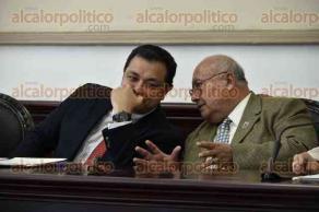 Xalapa, Ver., 20 de enero de 2017.- La tarde de este viernes, el alcalde Américo Zúñiga Martínez y demás integrantes de Cabildo, instalaron la Comisión Organizadora de la Conmemoración de los