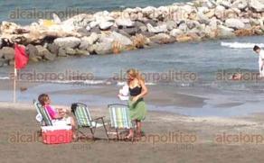 Boca del Río, Ver., 22 de enero de 2017.- En pleno invierno las playas en este municipio son un atractivo para visitantes y locales.