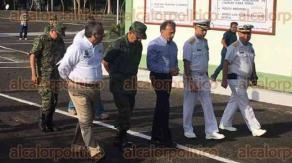 San Andrés Tuxtla, Ver, 23 de enero de 2017.- El gobernador Miguel Ángel Yunes Linares desayunó con mandos de seguridad en el cuartel del Primer batallón, donde se tratarían diversos temas relacionados con la seguridad de la zona.