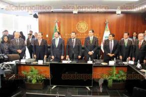 Ciudad de México, 24 de enero de 2017.- El canciller de México, Luis Videgaray, se reunió con los coordinadores de todos los partidos de las bancadas del Senado encabezado por el senador Pablo Escudero, para abordar el tema de la política exterior del Gobierno de México.