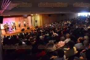 Xalapa, Ver., 19 de febrero de 2017.- El grupo Tlen Huicani, que dirige el maestro Alberto de la Rosa, se presentó con un lleno total en el auditorio del Museo de Antropología como parte de los especiales de Domingo en el Museo.
