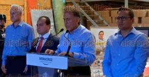 Córdoba, Ver., 20 de febrero de 2017.- El gobernador del Estado, Miguel Ángel Yunes Linares dio a conocer los detalles del aseguramiento de una bodega que presuntamente era propiedad del exgobernador Javier Duarte.