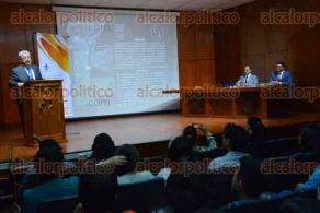Xalapa, Ver., 20 de febrero de 2017.- El magistrado Eduardo Andrade Sánchez impartió la conferencia
