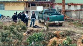 Xalapa, Ver., 21 de febrero de 2017.- Un hombre fue asesinado a puñaladas por cuatro sujetos, la mañana de este martes, en la calle División del Norte de la colonia Rafael Lucio.
