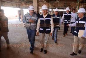 Coatzacoalcos, Ver., 21 de febrero de 2017.- El gobernador, Miguel Ángel Yunes Linares, visitó este martes la construcción del Hospital de Alta Especialidad, ubicado al poniente del municipio.