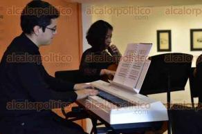 """Xalapa, Ver., 21 de febrero de 2017.- La tarde de este martes el Ensamble de Cámara de la Orquesta Filarmónica de Boca del Río presentó obras de Haydn, Reinecke, Weber y Millault en la pinacoteca """"Diego Rivera""""."""