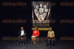 Xalapa, Ver., 22 de febrero 2017.- En la Facultad de Artes de la UV, se presentó el programa para el Festival del Día Mundial del Teatro que será a partir del 27 de marzo al 1 de abril y donde se ofrecerán diversos talleres de actuación.