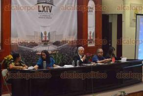 Xalapa, Ver., 23 de febrero de 2017.- El investigador del CIESAS GOLFO, Hipólito Rodríguez ofreció la conferencia