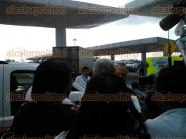 Veracruz, 23 de marzo de 2017.- El dirigente nacional de MORENA, Andrés Manuel López Obrador, arribó al aeropuerto internacional