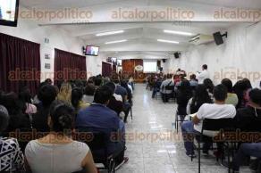 Xalapa, Ver., 23 de marzo de 2017.- El administrador del SAT, Oliver Aguilar Yunes, ofreció la conferencia