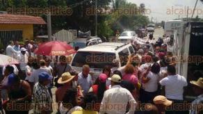 Jamapa, Ver., 23 de marzo de 2017.- El dirigente nacional de MORENA, Andrés Manuel López Obrador, visitó el municipio, dentro de las actividades de su nueva gira por la entidad, misma que arrancó este jueves y culmina el domingo.