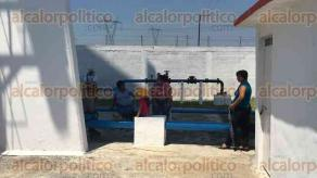 Córdoba, Ver., 23 de marzo de 2017.- Vecinos de la comunidad San José de Tapia y colonia Esperanza exigieron se repare a la brevedad posible la bomba de agua de su pozo profundo. HidroSistemas sólo llenó un tanque elevado con pipas, habitantes señalan que es insuficiente.