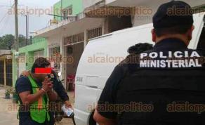Coatepec, Ver., 23 de marzo de 2017.- Dos hermanos —uno de ellos presunto jefe de plaza de una organización delincuencia— fueron detenidos este martes en la colonia Unidad y Progreso de Xalapa; el juez de proceso les determinó 8 meses en prisión preventiva en el penal de Pacho Viejo.