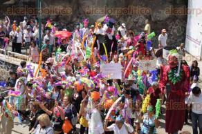 Xalapa, Ver., 26 de marzo de 2017.- Organizó el DIF municipal el Carnaval del Adulto Mayor en el paseo de Los Lagos.