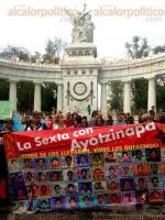 Ciudad de México, 26 de marzo de 2017.- En el Hemiciclo a Juárez, los padres de los 43 normalistas de Ayotzinapa exigen justicia y la presentación con vida de sus hijos a 30 meses sin respuestas por parte del Gobierno federal y de Guerrero. Condenan los ataques constantes para desacreditarlos y minimizar sus demandas.