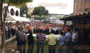 Papantla, Ver., 26 de marzo de 2017.- La tarde de este domingo, el candidato del PRD  Mariano Romero se reunió con su equipo de trabajo y simpatizantes congregados en la casa de campaña.