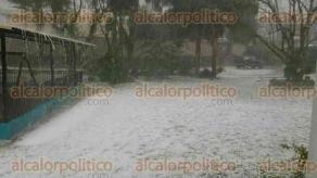 Coscomatepec, Ver., 27 de marzo de 2017.- La tarde de este lunes cayó granizo en el municipio de Coscomatepec, como lo habían previsto autoridades de Protección Civil para distintas zonas de la entidad.