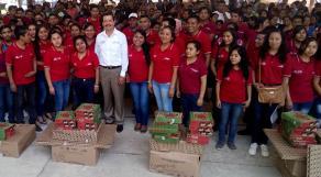 Xalapa, Ver., 28 de marzo de 2017.- CONAFE entrega 104 paquetes de útiles escolares a niñas y niños de 112 escuelas comunitarias de la región Misantla, como parte de la Cruzada Nacional para Combatir el Rezago Educativo.