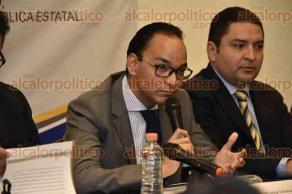 Xalapa, Ver., 28 de marzo de 2017.- La mañana de este martes, rindió protesta el primer Comité Técnico Ciudadano y se presentó el despacho para Auditoría de Deuda Pública Estatal.