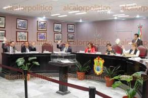 Xalapa, Ver., 28 de marzo de 2017.- Sesión en el Congreso del Estado, donde la diputada María Josefina Gamboa donde anunció que presentaría la iniciativa ante la diputación permanente para que la CEAPP desaparezca.