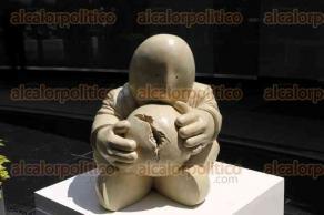 Ciudad de México, 28 de marzo de 2017.- En el Patio del Federalismo en el Senado, el coordinador del PRI, Emilio Gamboa, acompañado por el senador Raúl Pozos, inauguró la exposición escultórica de Rodrigo de la Sierra, titulada