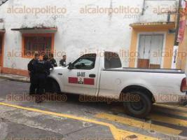 Xalapa, Ver., 28 de marzo de 2017.- Elementos de la SSP, acudieron a la calle Rayón en la zona Centro de esta capital para confirmar el hallazgo de una persona sin vida sobre la azotea de un inmueble.