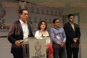 Xalapa, Ver., 29 de marzo de 2017.- Luego de que se reuniera con colectivos de búsqueda de desaparecidos, el Subsecretario de Derechos Humanos de la Secretaría de Gobernación, Roberto Campa, ofreció una conferencia de prensa junto al gobernador Miguel Ángel Yunes Linares.