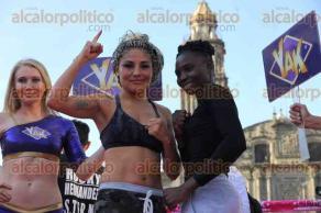 Ciudad de México, 29 de marzo de 2017.- En la Plaza de Santo Domingo, las boxeadoras Mariana