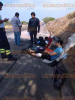 Carrillo Puerto, Ver., 22 de abril de 2017.- La volcadura de un auto en la autopista Córdoba-Veracruz dejó una persona lesionada y daños materiales por unos 20 mil pesos.