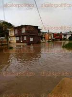 Xalapa, Ver., 23 de abril de 2017.- Lector reporta inundación de calle Bazo de Andrade por avenida Marina Nacional, en colonia Encanto del Sumidero; a causa de la lluvia de este domingo.