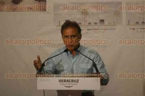 Veracruz, Ver., 24 de abril de 2017.- El gobernador Miguel Ángel Yunes Linares, presentó el programa de Modernización del Bulevar Ávila Camacho en el que se invertirán más de 100 millones de pesos.