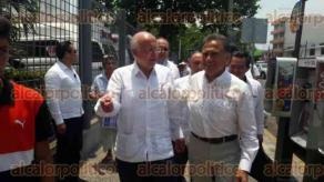 Veracruz, Ver., 27 de abril de 2017.- El secretario de salud José Narro y el gobernador Miguel Ángel Yunes Linares, recorrieron el Hospital del Niño para constatar los avances de la remodelación.